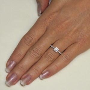 Zaročni prstan 78 - briljant-2