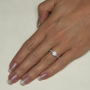 Zaročni prstan 54 - briljant-2