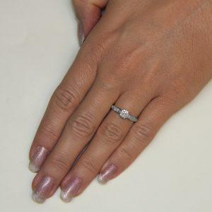 Zaročni prstan 44 - briljant-2