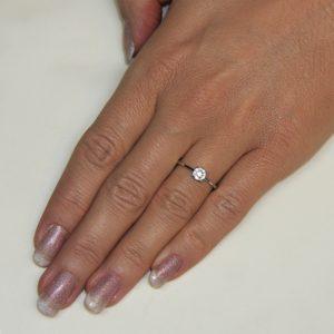 Zaročni prstan 36 - briljant-2