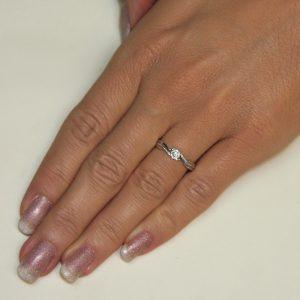 Zaročni prstan 37 - briljant-2
