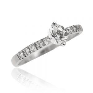 Zaročni prstan 32